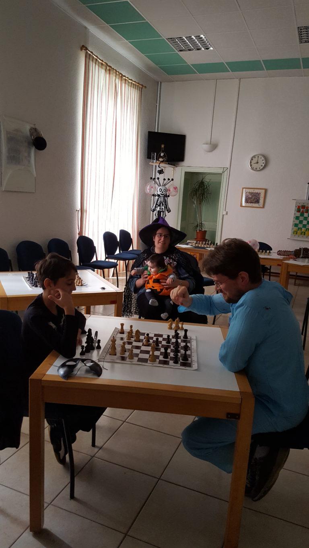Il n'y a pas d'âge pour apprendre les échecs!